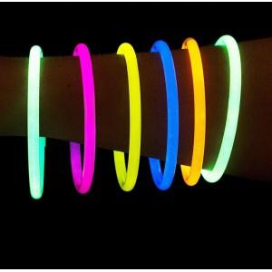 Świecące bransoletki / silne światło chemiczne 100 szt.